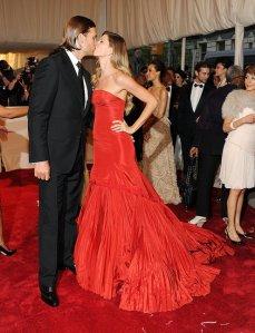 Gisele-Bundchen-Tom-Brady-2011-Met-Gala-Pictures